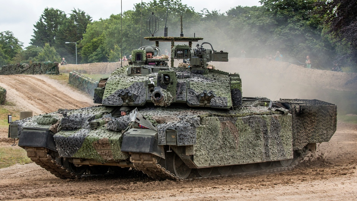 British Troops • Challenger 2 Tank • Live Fire Display • Latvia 2020