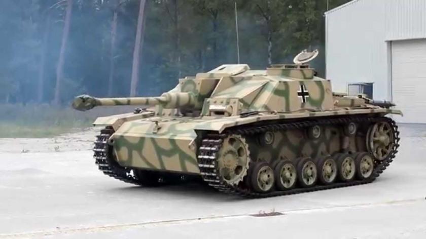StuG III -1