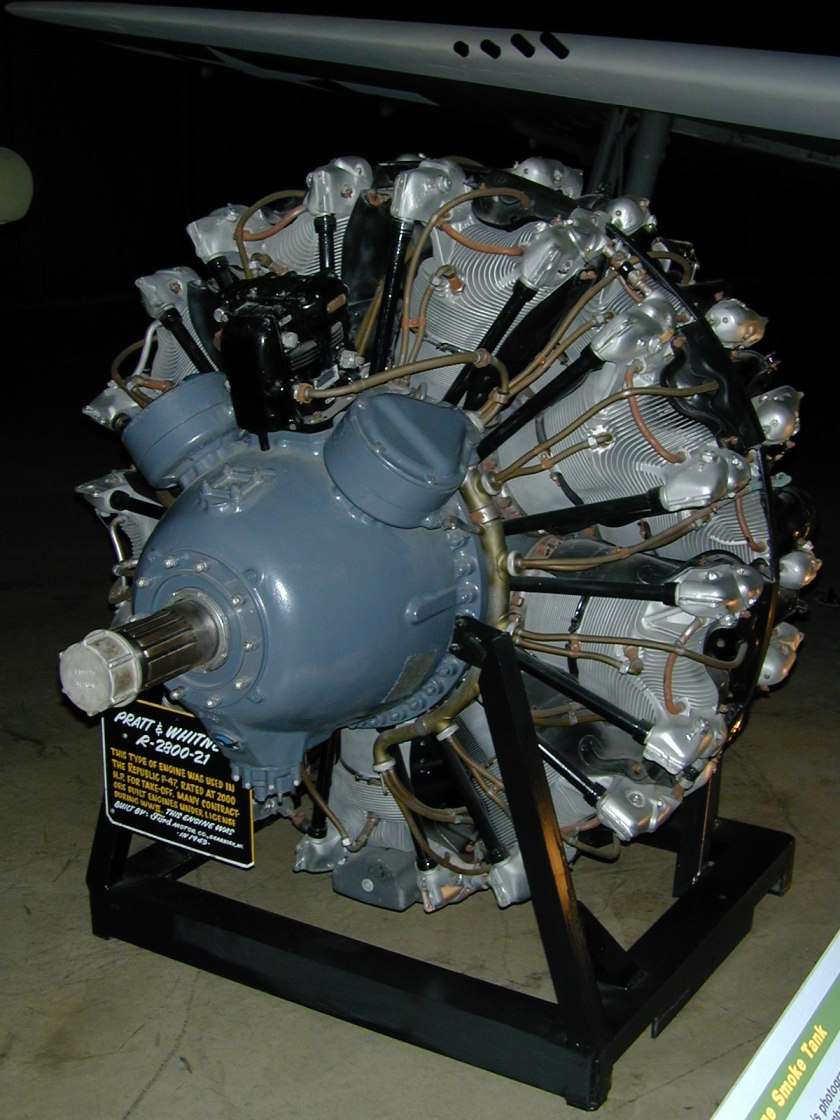 Pratt_&_Whitney_R-2800_Engine_1